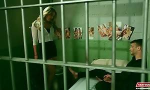 Sexy Sierra Day knows how to encourage poor prisoner Jack Pa...